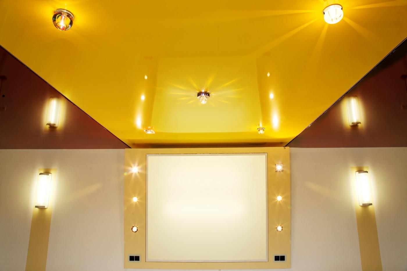 Цветные матовые натяжные потолки фото