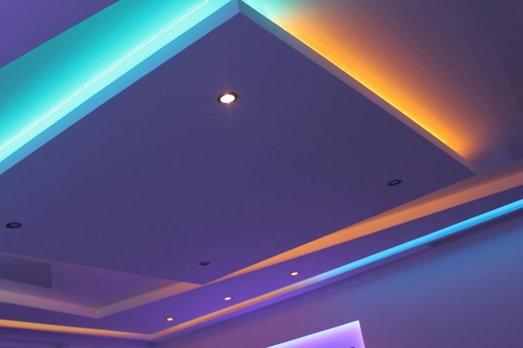 двухуровневый натяжой потолок