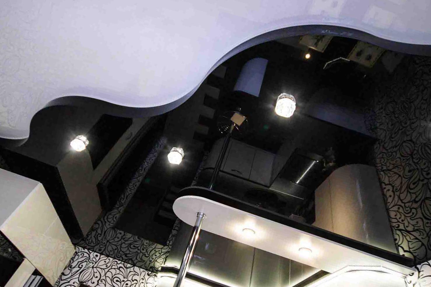 Дизайн черных натяжных потолков