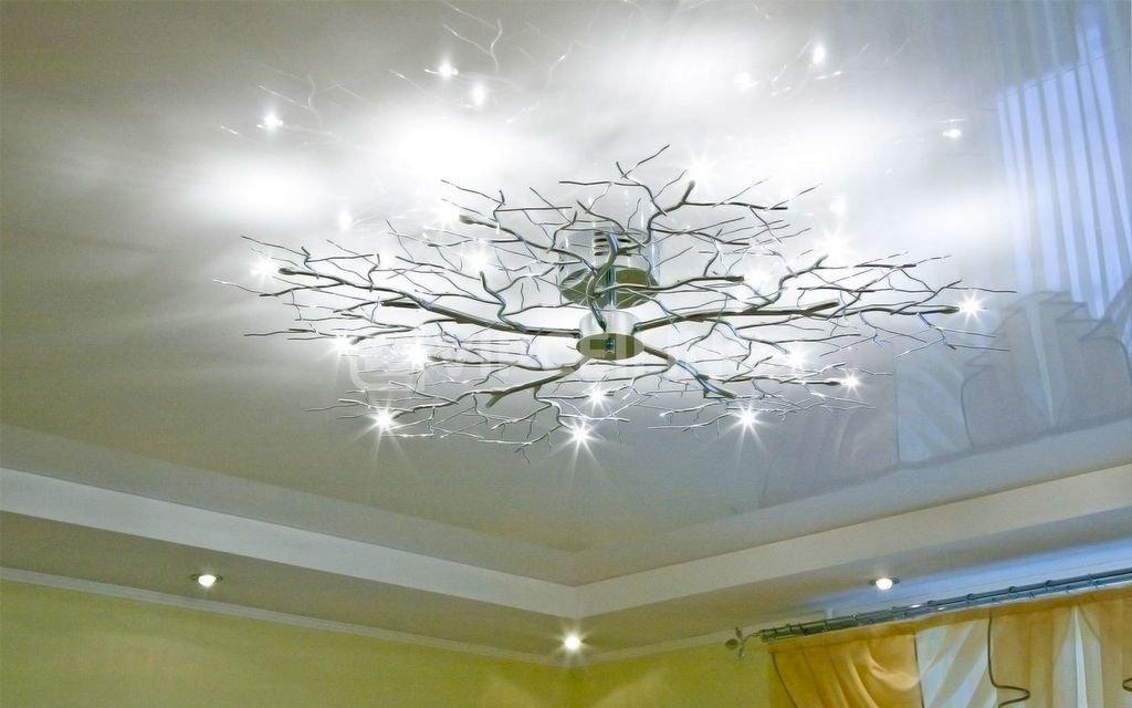 рисунок на глянцевом потолке