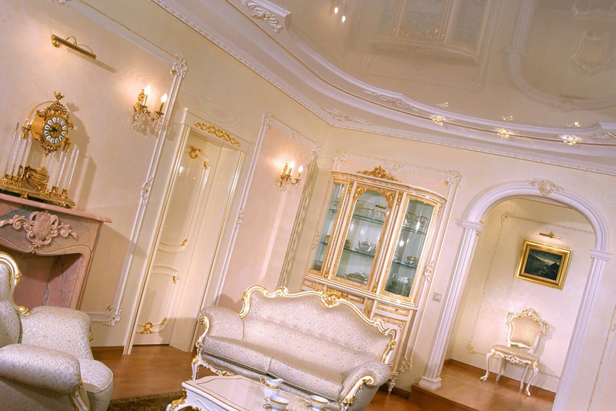 Натяжные потолки в стиле барокко