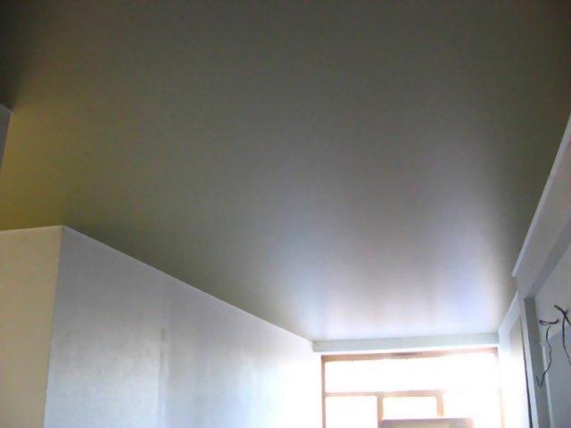 натяжной потолок металлик