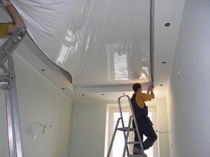 фото монтажа натяжных потолков